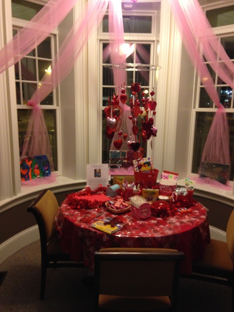VC14 G'ma Mary's Valentine Making Station at Hyde Park RMH